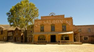 fort-bravo-saloon-730x410